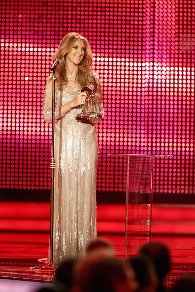Sleeved Dress「BAMBI Awards 2012 - Show」:写真・画像(10)[壁紙.com]