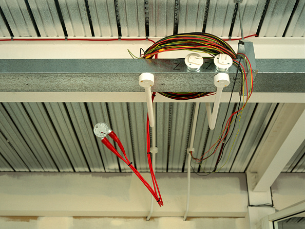 Ceiling「Electrical wires hanging out, office space in shell condition」:写真・画像(13)[壁紙.com]