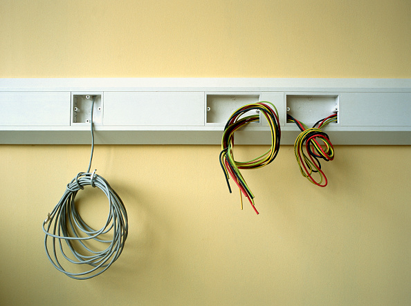 Cable「Electrical wires hanging out on a wall」:写真・画像(6)[壁紙.com]