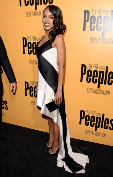 """Looking At Camera「Lionsgate Film And Tyler Perry Presents The Premiere Of """"Peeples"""" - Arrivals」:写真・画像(14)[壁紙.com]"""