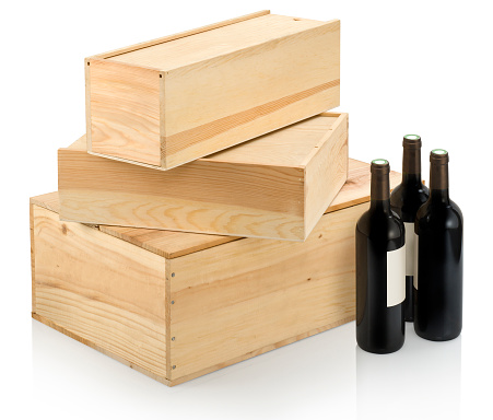 Crate「Three sizes of wine boxes and accompanying wine」:スマホ壁紙(18)