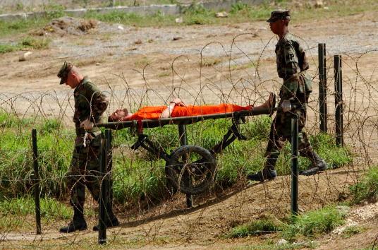 Taliban「Camp X-Ray In Cuba」:写真・画像(14)[壁紙.com]