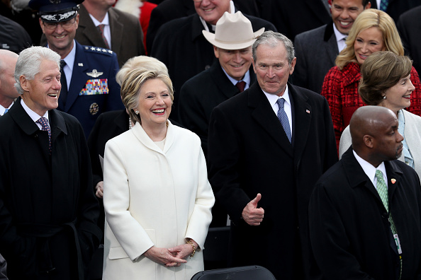 White Suit「Donald Trump Is Sworn In As 45th President Of The United States」:写真・画像(19)[壁紙.com]