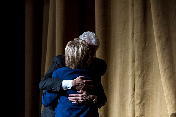 Super Tuesday「Democratic Presidential Candidate Hillary Clinton Holds Fundraiser At Radio City Music Hall」:写真・画像(3)[壁紙.com]