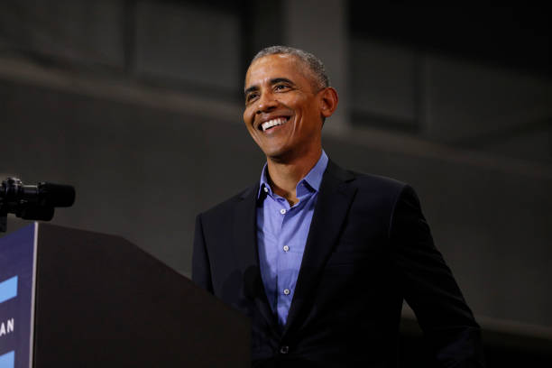 Former President Obama And Former Attorney General Eric Holder Campaigns With Michigan Democrats:ニュース(壁紙.com)