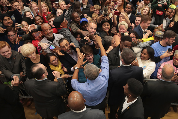 Scott Olson「Former President Obama Campaigns With Wisconsin Democratic Candidates」:写真・画像(6)[壁紙.com]