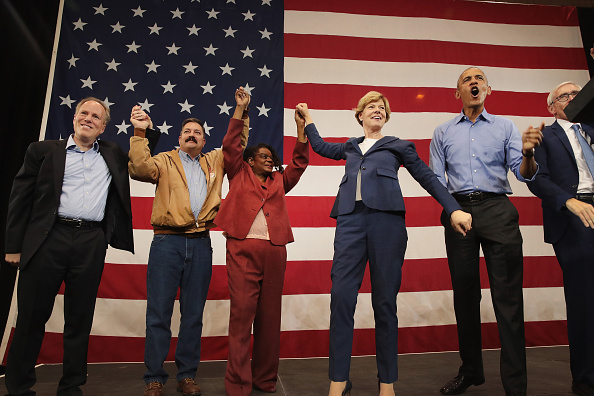 Scott Olson「Former President Obama Campaigns With Wisconsin Democratic Candidates」:写真・画像(8)[壁紙.com]
