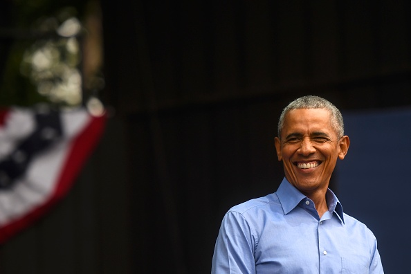 Smiling「Barack Obama Attends Campaign Rally For Pennsylvania Democrats In Philadelphia」:写真・画像(13)[壁紙.com]