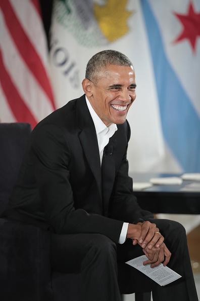 笑顔「Barack Obama Hosts Community Event For Obama Presidential Center」:写真・画像(18)[壁紙.com]