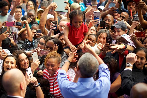 Bestpix「Barack Obama Attends Campaign Rally For Pennsylvania Democrats In Philadelphia」:写真・画像(11)[壁紙.com]