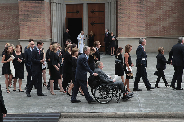 Funeral「Mourners, Including Former Presidents, Attend Funeral For Barbara Bush」:写真・画像(12)[壁紙.com]