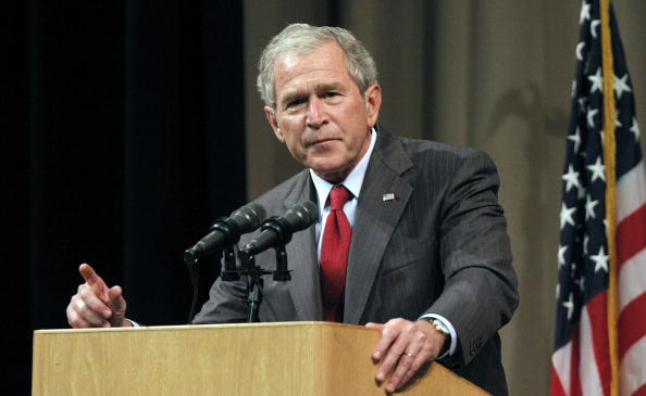 George W「George W. Bush Gives His First Post-Presidency Speech」:写真・画像(1)[壁紙.com]