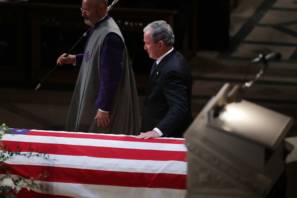 Chip Somodevilla「State Funeral Held For George H.W. Bush At The Washington National Cathedral」:写真・画像(13)[壁紙.com]