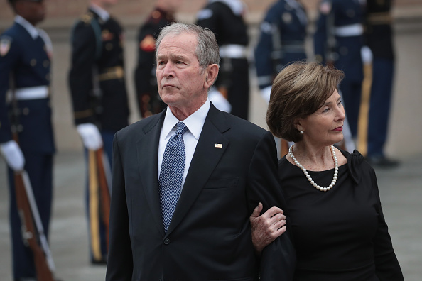 George W「Family and Friends Attend Funeral Service For Pres. George H.W. Bush In Houston」:写真・画像(9)[壁紙.com]