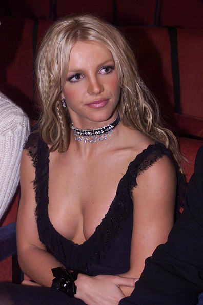 Short Necklace「Britney Spears」:写真・画像(3)[壁紙.com]