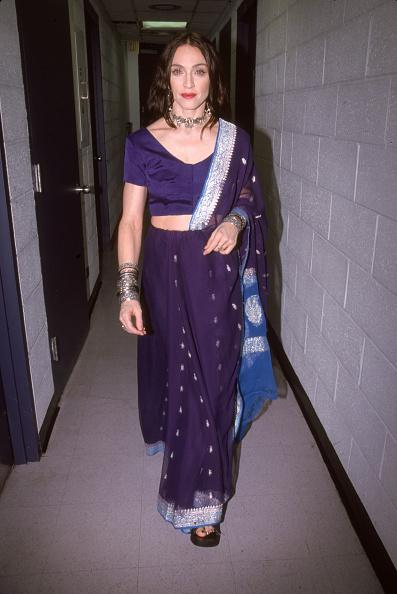 Singer「Madonna At The 1998 VH1 Fashion Awards」:写真・画像(5)[壁紙.com]
