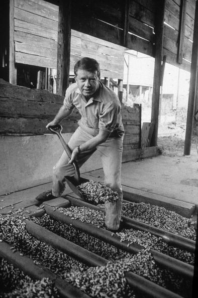 Farm「Jimmy Carter Shovels Peanuts, GA, 1970s. 」:写真・画像(15)[壁紙.com]