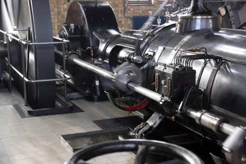 SL「動作蒸気機関車にランニングフライの輪」:スマホ壁紙(19)