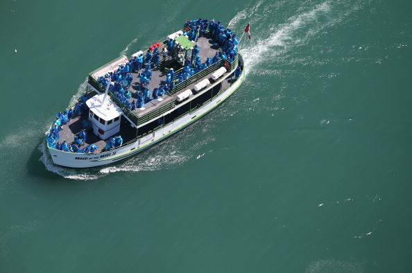 Tourboat「Aerials of U.S.-Canada Border Along The Niagara River」:写真・画像(7)[壁紙.com]