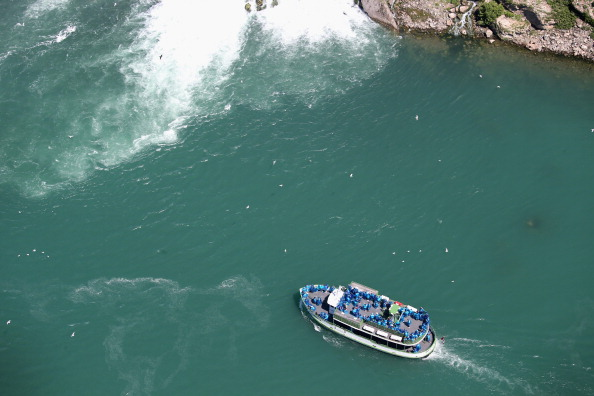 Tourboat「Aerials of U.S.-Canada Border Along The Niagara River」:写真・画像(16)[壁紙.com]