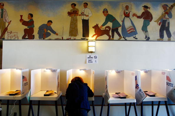 Super Tuesday「California Voters Participate In The State's Pivotal Primary」:写真・画像(8)[壁紙.com]