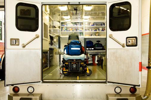 Paramedic「Ambulance emergency vehicle, open doors. EMS. Interior. Open. Medical.」:スマホ壁紙(7)