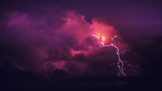 Rain「Thunderstor.」:スマホ壁紙(0)