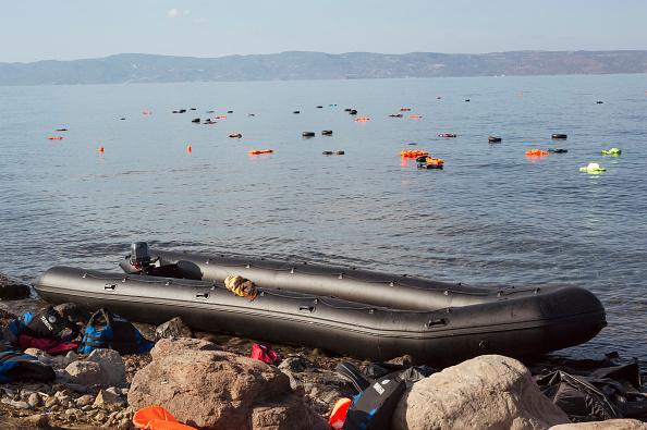Obsolete「Refugees On Lesbos」:写真・画像(14)[壁紙.com]