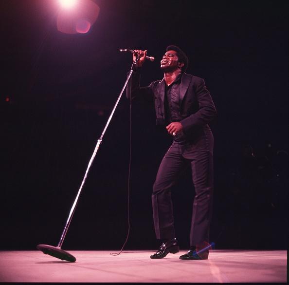 Singer「James Brown performs at Madison Square Garden」:写真・画像(9)[壁紙.com]
