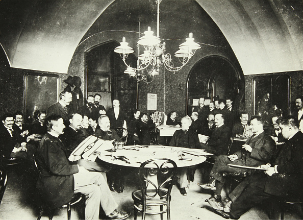 Coffee Table「Old Griensteidl」:写真・画像(7)[壁紙.com]