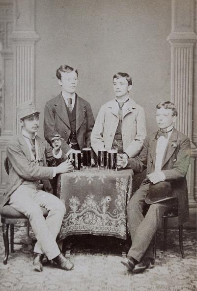 High School Student「Group Portrait Of Four Students」:写真・画像(8)[壁紙.com]