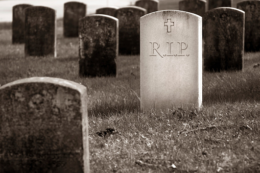 Sepia Toned「Graveyard - Rest In Peace」:スマホ壁紙(19)