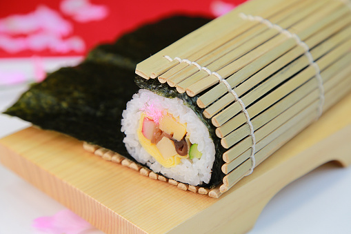 日本の祭り「Rolled sushi」:スマホ壁紙(16)