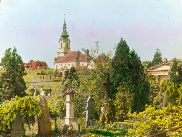 """Middle Class「The parish church """"Maria Schmerzen"""" in Grinzing. Kaasgraben. Vienna, 19th district. Hand-colored lantern slide. Around 1905.」:写真・画像(6)[壁紙.com]"""