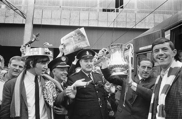 Success「Everton Return Victorious」:写真・画像(15)[壁紙.com]