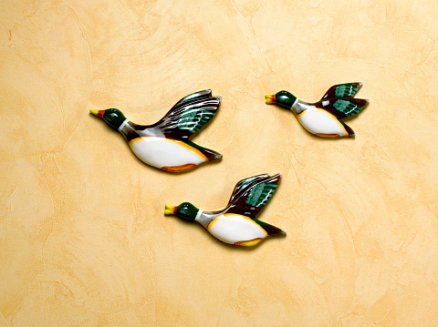 Compatibility「Kitsch retro flying duck ornaments」:スマホ壁紙(5)