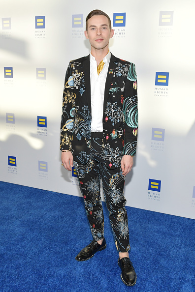 Adam Rippon「The Human Rights Campaign 2019 Los Angeles Dinner - Arrivals」:写真・画像(19)[壁紙.com]