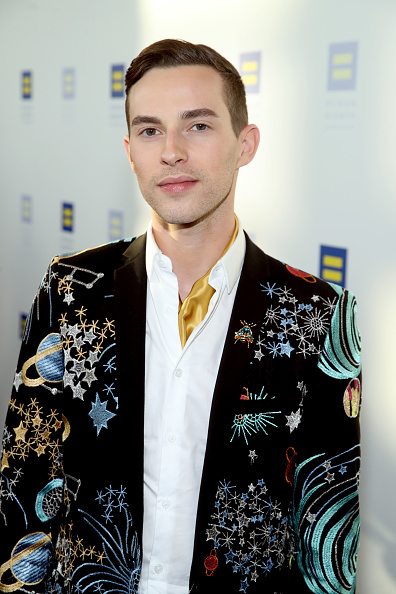 Adam Rippon「The Human Rights Campaign 2019 Los Angeles Gala Dinner - Red Carpet」:写真・画像(17)[壁紙.com]