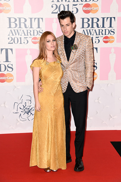 Yellow Dress「BRIT Awards 2015 - Red Carpet Arrivals」:写真・画像(13)[壁紙.com]