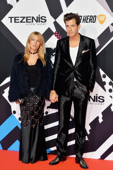 Diamond Pattern「MTV EMA's 2015 - Red Carpet Arrivals」:写真・画像(19)[壁紙.com]