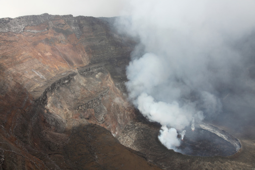 コンゴ民主共和国「January 21, 2011 - Active lava lake in summit caldera, Nyiragongo Volcano, Democratic Republic of the Congo.」:スマホ壁紙(5)
