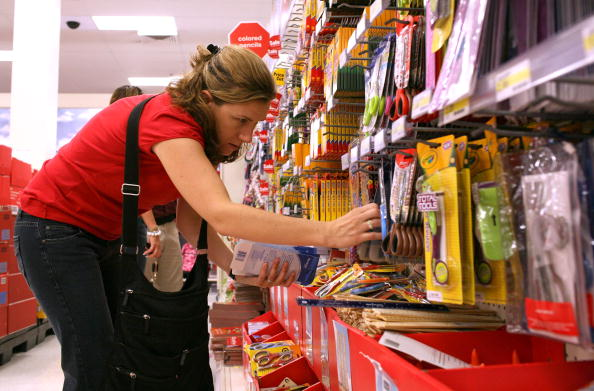 Equipment「Monthly Retail Sales Statistics Dip In July」:写真・画像(1)[壁紙.com]
