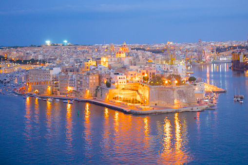 Maltese Islands「View of Birgu at dusk」:スマホ壁紙(6)