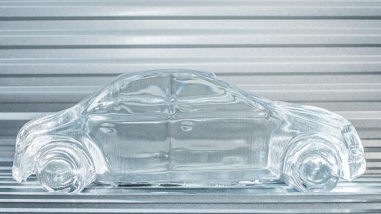 Ice Sculpture「melting car made of ice」:スマホ壁紙(6)