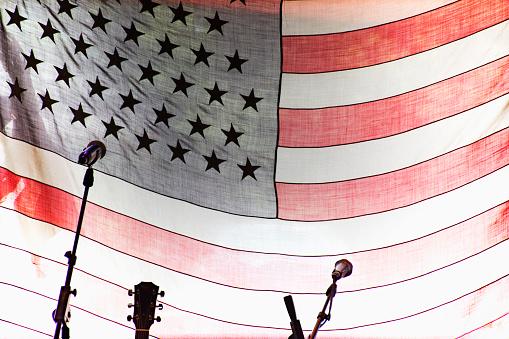 Guitar「Microphones and guitar by American Flag」:スマホ壁紙(16)