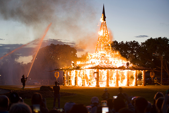"Bestpix「""Temple Of Time"" Art Installation Burned In Ceremonial Fire」:写真・画像(6)[壁紙.com]"