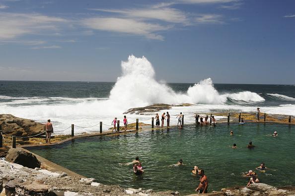 波「Huge Waves Hit Sydney's Beaches」:写真・画像(19)[壁紙.com]