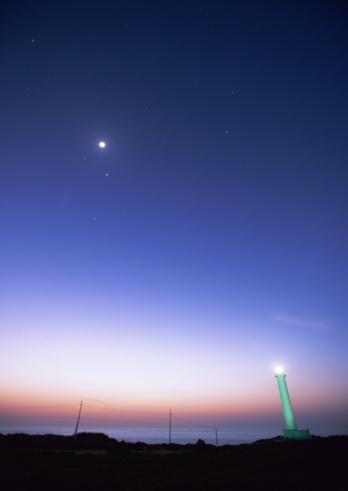 星空「Cape and lighthouse」:スマホ壁紙(12)