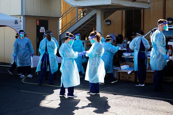 Sydney「COVID-19 Clinics Open In Inner City Sydney As Queensland Closes Border To Greater Sydney」:写真・画像(10)[壁紙.com]