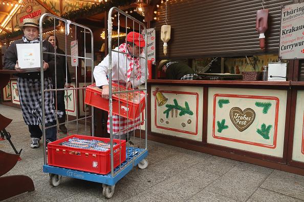 2016 Berlin Christmas Market Attack「Christmas Market Targeted In Terror Attack Reopens」:写真・画像(16)[壁紙.com]